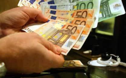 Le accreditano 10mila euro per errore e li spende,denunciata