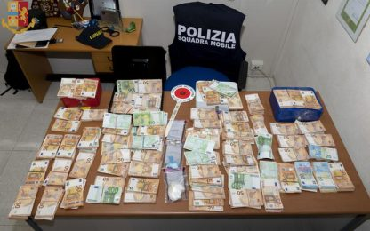 In casa 172mila euro da spaccio, aveva reddito cittadinanza