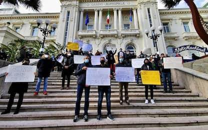 Sanremo: i lavoratori del Casinò in piazza, fateci lavorare