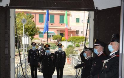 Comandante interregionale Vincelli visita carabinieri Genova