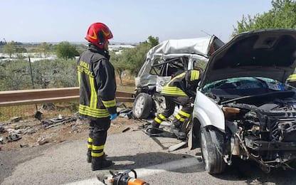 Due ventenni muoiono in un incidente frontale nel Savonese