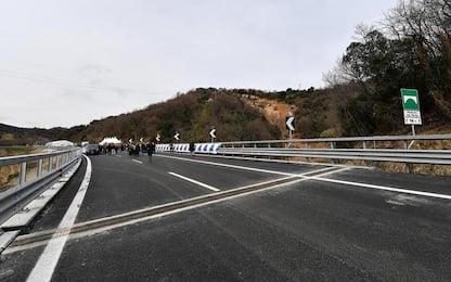 Viadotto A12 vietato a tir, servono lavori