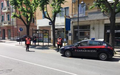 Appuntamenti sul bus a Genova per spacciare, arrestato