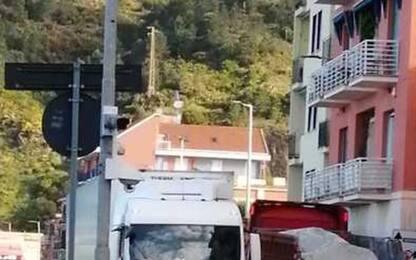 Stop tir viadotto: traffico e caos nei comuni del genovese