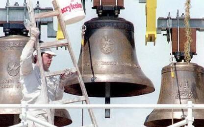 Parroco dell'Imperiese, campane attirano blasfemie