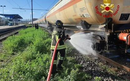 Sarzana; incendio in carrello vagone con Gpl,intervento pompieri
