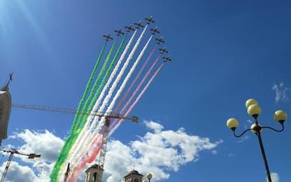 In centinaia in festa per Frecce tricolori a L'Aquila