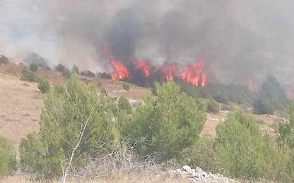 Incendio su montagna Abruzzo,in fiamme cento ettari di bosco