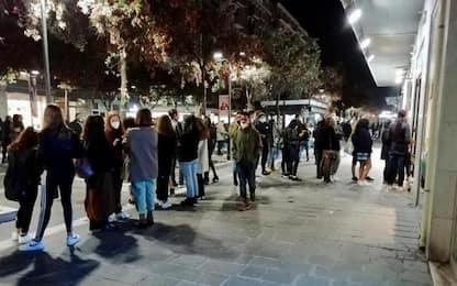 Covid: tanta gente in centro Pescara, anche bimbi mascherati