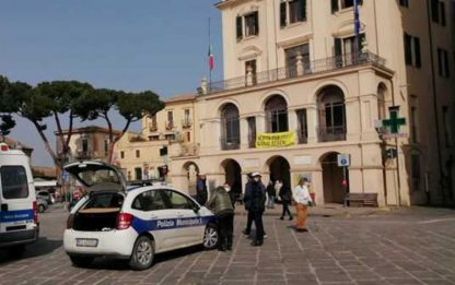 Covid, sindaco Lanciano chiude scuole, piazze e parchi