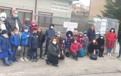 Scuola: L'Aquila, sit-in contro Dad in elementari e medie