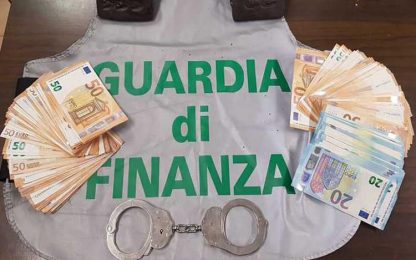 Gdf sequestra 1,5 kg hascisc, due arresti