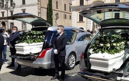 Celebrati insieme funerali ragazzi Terni