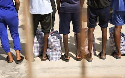 Migranti lasciano strutture Umbria