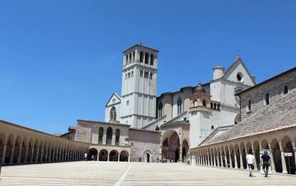 Basiliche aperte e messe Assisi regolari