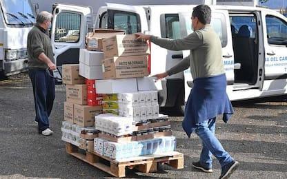 Dipendenti Ast donano generi alimentari ai biosognosi