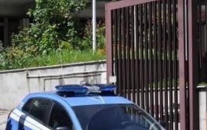 Droga: scappa dal parco alla vista degli agenti, arrestato