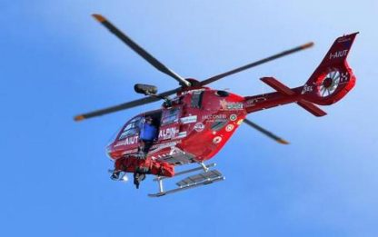 Climber precipita dal Sassolungo, intervento dell'elicottero