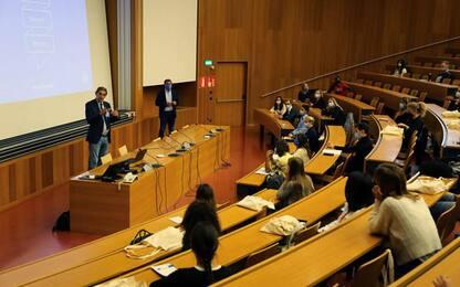 Università Bolzano, il rettore accoglie le matricole