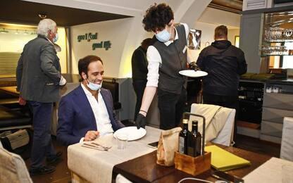 Covid: Alto Adige chiude bar alle 20 e ristoranti alle 22