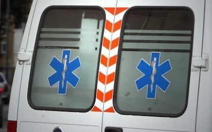A22, tamponamento furgone-camion a Nomi, un morto