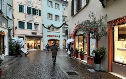 Covid: bar a Bolzano riaprono sotto il nevischio