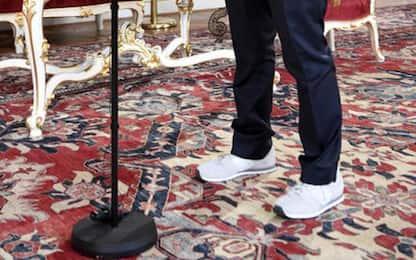 Austria: ministro della Salute giura in scarpe da ginnastica