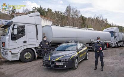 Gdf sequestra 52 tonnellate di olio lubrificante sull'A22