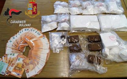 Oltre 4 chili di droga in un garage a Laives, 2 arresti