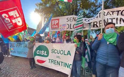 Pubblico impiego: centinaia a Trento per rinnovo contratto