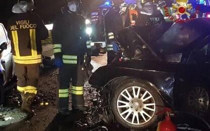 Incidenti stradali: auto in canale, salvi due ragazzi