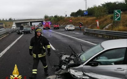 Incidenti stradali: scontro tra 4 auto in A4