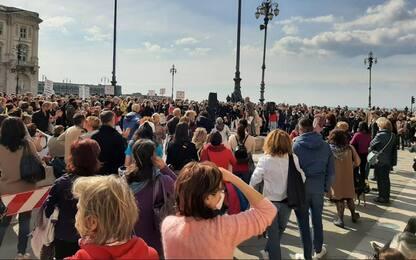 Vaccini: sanitari in piazza a Trieste per libertà scelta
