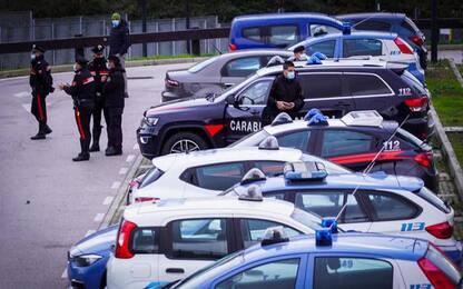 Uomo accoltella figlio a Trieste e lo uccide