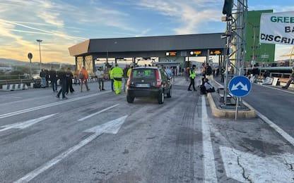 Green pass: Trieste, prosegue protesta ma attività regolare