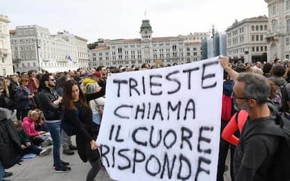 No green pass, a Trieste la piazza si divide