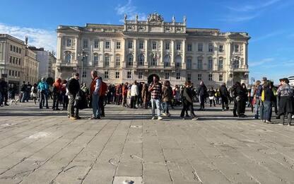 Green pass: Trieste, situazione tranquilla in piazza Unità