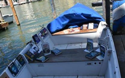 A Venezia la cultura arriva in barca