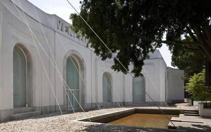 Muse inquiete, la Biennale riflette sulle crisi