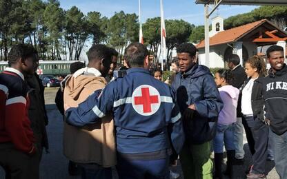 Covid, 43 contagi tra migranti sede Cri