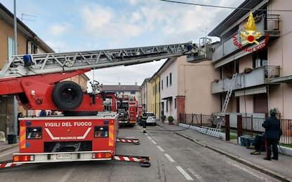 Incendio in abitazione, donna muore asfissiata