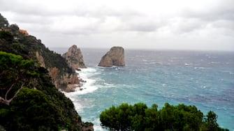 Ondata di maltempo in Campania. L'isola di Capri oggi 9 novembre 2010 e' stata colpita da una bufera che ha costretto allo stop per alcune ore gli aliscafi in arrivo e in partenza da Napoli. ANSA/ Giuseppe Catuogno