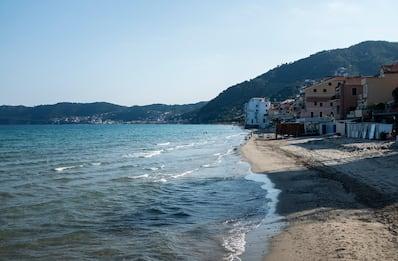 Covid Liguria, Toti: stop a spostamenti verso seconde case e barche