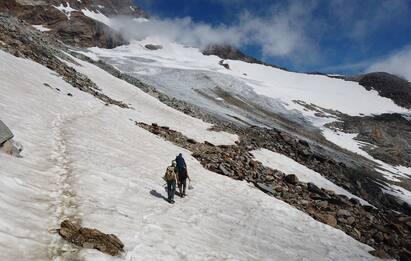 Incidente sul Monte Rosa, esperto snowboarder precipita e muore