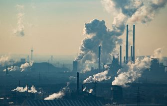 OBERHAUSEN, GERMANY - JANUARY 06: Steam and exhaust rise from the chemical company Oxea (front) and the coking plant KBS Kokereibetriebsgesellschaft Schwelgern GmbH on a cold winter day on January 6, 2017 in Oberhausen, Germany. According to a report released by the European Copernicus Climate Change Service, 2016 is likely to have been the hottest year since global temperatures were recorded in the 19th century. According to the report the average global surface temperature was 14.8 degrees Celsius, which is 1.3 degrees higher than estimates for before the Industrial Revolution. Greenhouse gases are among the chief causes of global warming and climates change. (Photo by Lukas Schulze/Getty Images)