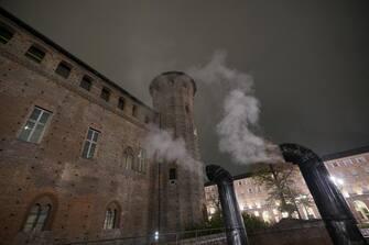 Smog inquinamento piazza Castello Torino 10 dicembre 2019 ANSA/TINO ROMANO