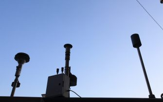 Centraline che misurano la presenza di inquinanti nell'aria