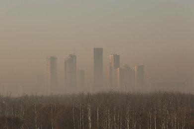 In Cina tempesta sabbia e smog. Pechino avvolta da nebbia gialla