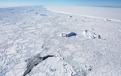 Antartide, si scioglie l'iceberg più grande del mondo