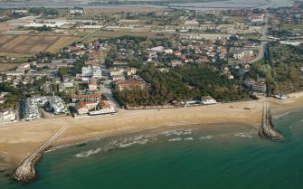 VENICE, ITALY - APRIL 17:  An aerial view from a helicopter of the deserted Jesolo beach during the Covid-19 lockdown aimed at curbing the spread of the coronavirus on April 17, 2020 in Venice, Italy. There have been over 168,000 reported COVID-19 cases in Italy and more than 22,000 related deaths, but the officials are confident the peak of new cases has passed. (Photo by Mattia Ozbot/Soccrates Images/Getty Images)